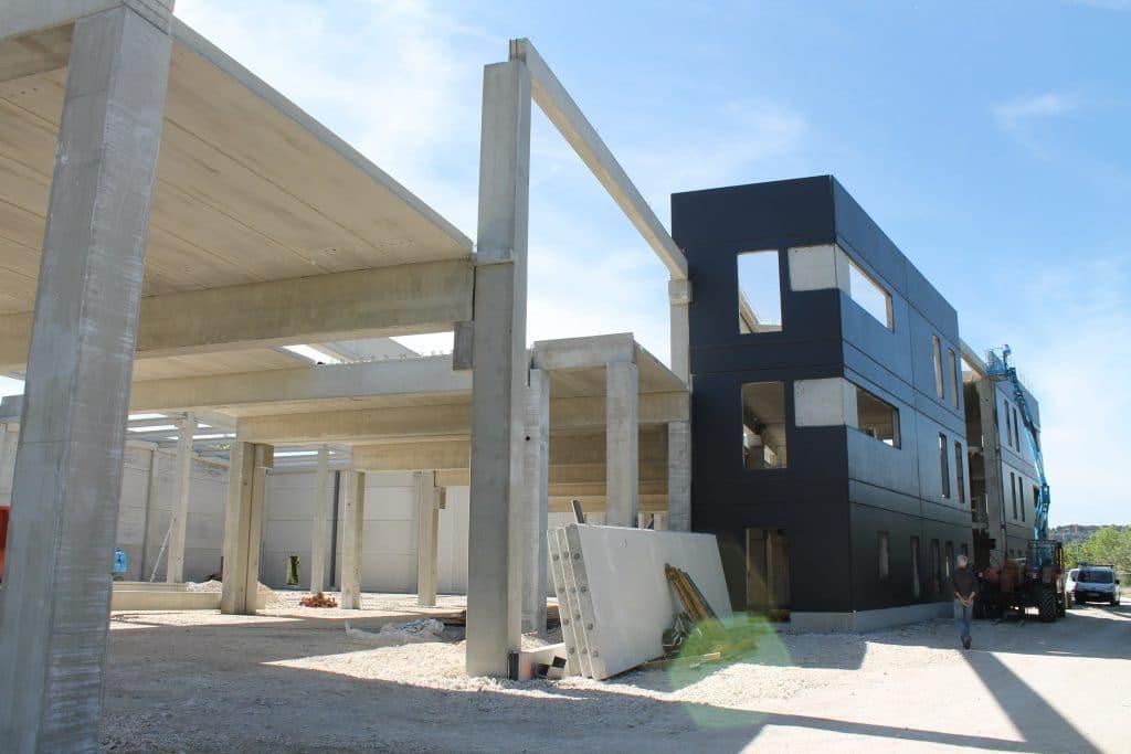 Bâtiment préfabriqué étudié par le bureau d'études structure AMOCER